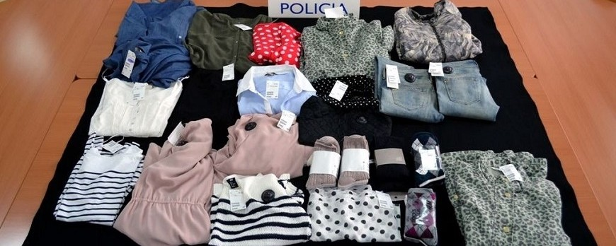 Three arrested for shoplifting clothes in Huelva